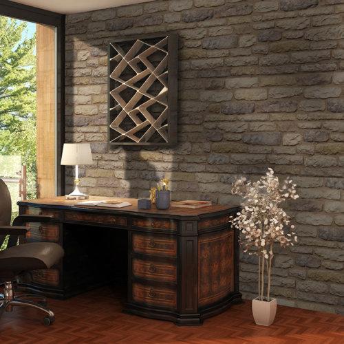 Geräumiges Zimmer mit großem Fenster und großen dekorativen Schreibtisch und Steinverkleidung von Armorique Bronze