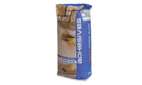 Der Kleber Extra Stone Glue kann sowohl in geschlossenen Räumen als auch im Freien angewendet werden und weist starke Haftung, Feuchtigkeitsbeständigkeit und hohe Halteleistung auf.
