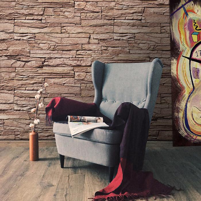 Ein ruhiges Zuhause schaffen. Wand der Wohnzimmer mit Decostone Vivid Red gekleidet.