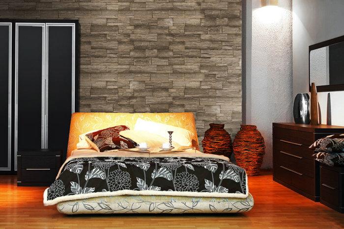 Moderner Dekor Schlaff Zimmer mit einer moderner große Gemälde und Armorique Olive als Verkleidungsstein.