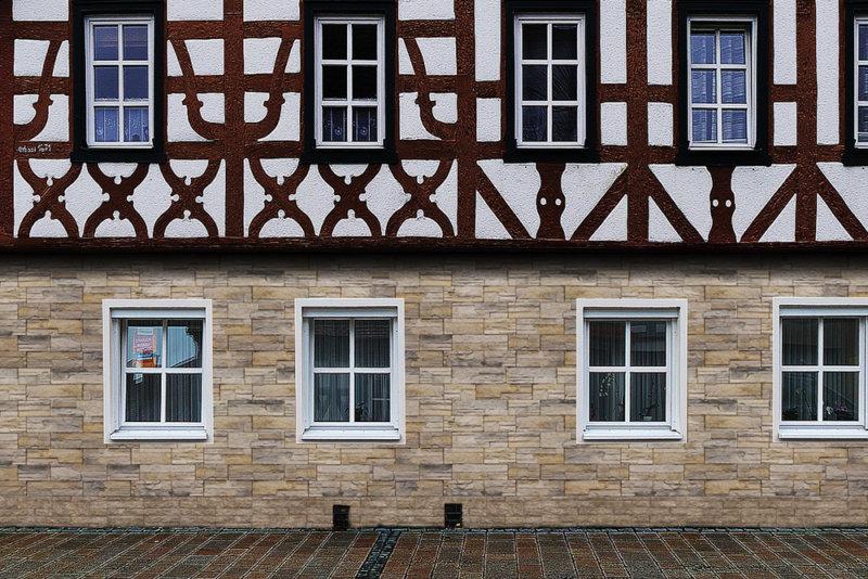 Fachwerkhaus im Altstadt mit Vermont Beige und Andes Gray Außen Wandverkleidung