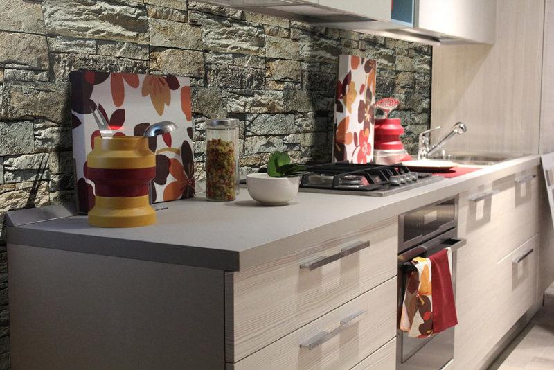 Moderner Küche mit Steinverblender von Decostone Vivid Beige