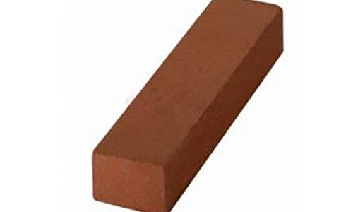 Schamottsteine werden im Bereich des Feuerbestbaus eingesetzt und dienen primär der Speicherung und Wiederabgabe von Wärme.